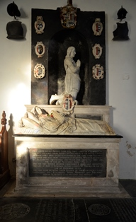 Bramfield monument