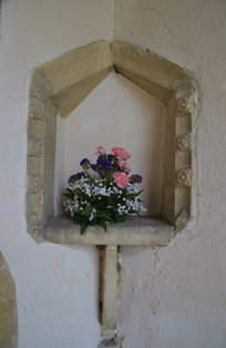 Creeting St Mary niche